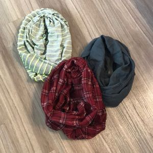 Accessories - Lot of 3 Double wrap scarves
